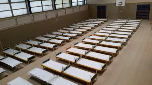 Der Bunker mit den Betten für die Flüchtlinge